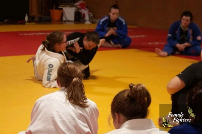 Female Fighters Coaching Pic