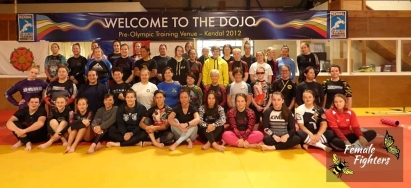 female fighters camp 2021 no gi day group shot