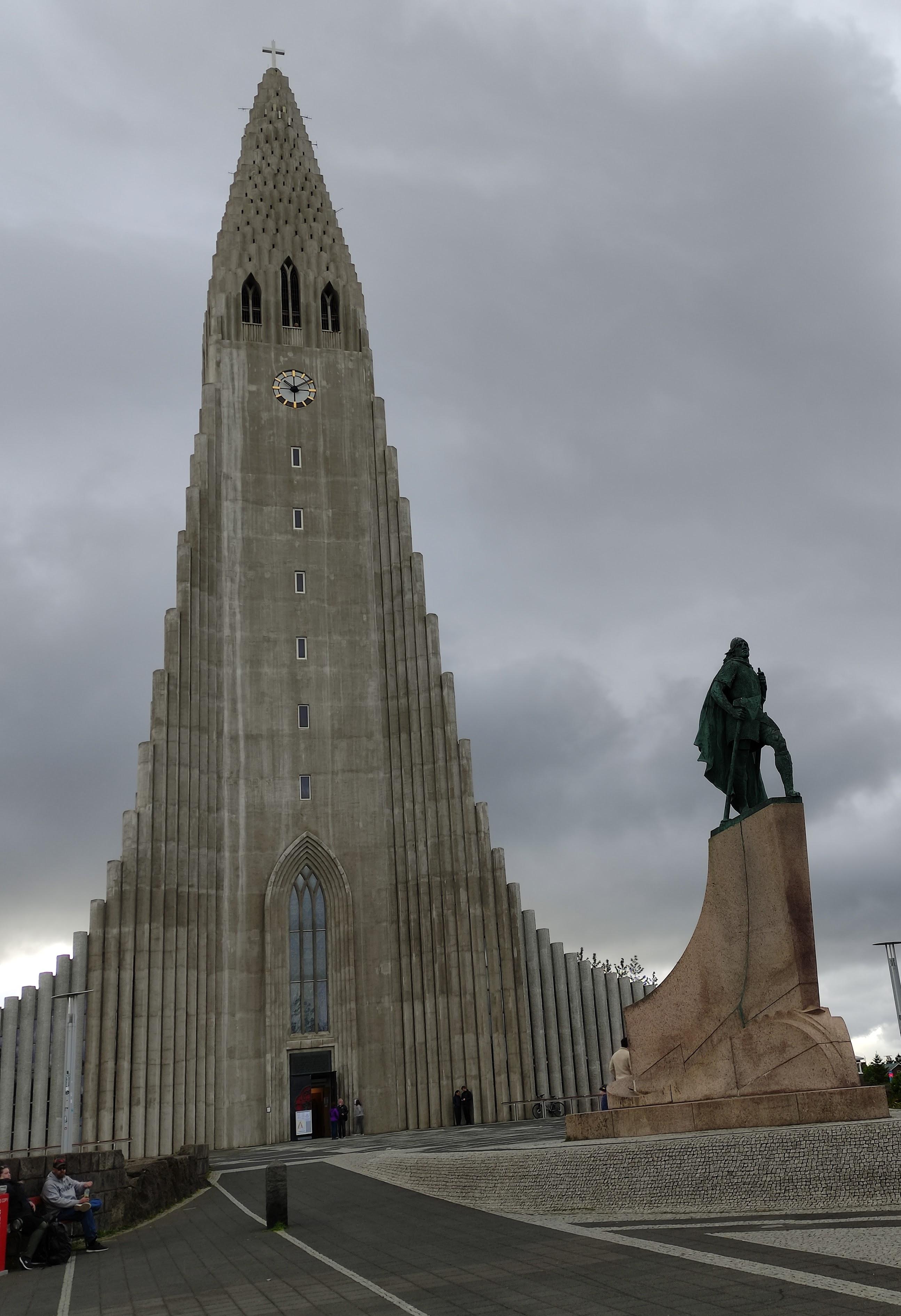 Hallgrímskirkja church picture